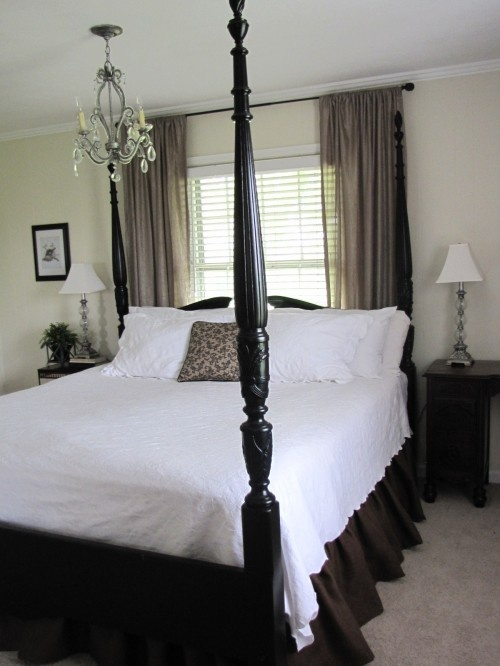 Bed under window love the sheer curtains the light for Short four poster bed
