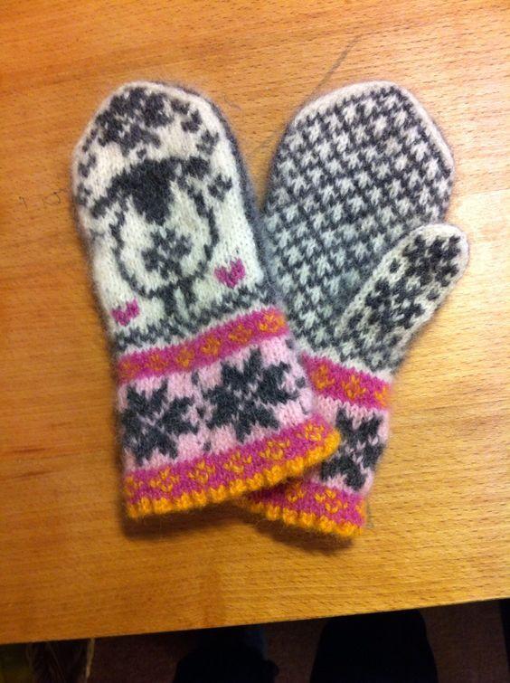 Children's sheep-mittens:
