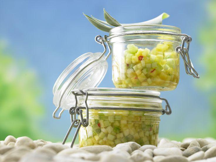 Nicht nur zum Dippen ein Highlight: Ananas-Gurken-Salsa - mit Frühlingszwiebeln - smarter - Kalorien: 91 Kcal - Zeit: 15 Min. | eatsmarter.de