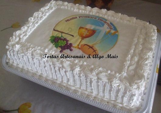 Bolo De Primeira Comunhão Com Chantilly E Papel De Arroz Communion Cake Desserts