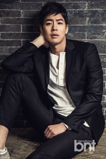 Lee Sang Yoon   Something about Lee makes you fall head over heels in love with him. I don't know if it's his impressive acting skills or his cute face? Whatever it is, the 34-year-old hottie is irresistible when he appears on screen!
