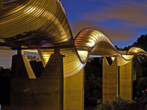 Henderson Wave Bridge   Location: Singapore on the map   When built: 2006; Height: 36м; Length: 274m