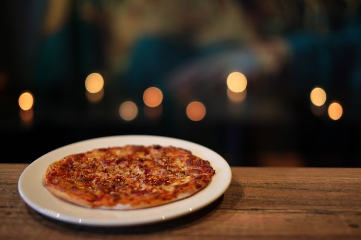THE ROAD TO EL DORADO (SPICY MEAT LOVER'S PIZZA)    Pizza Menu ($4 from 11am - 3pm & 7pm -10pm)    A thin crust pizza with tomato sauce, mozzarella cheese, ham, chilli dusted chicken, salami and topped with chilli flake