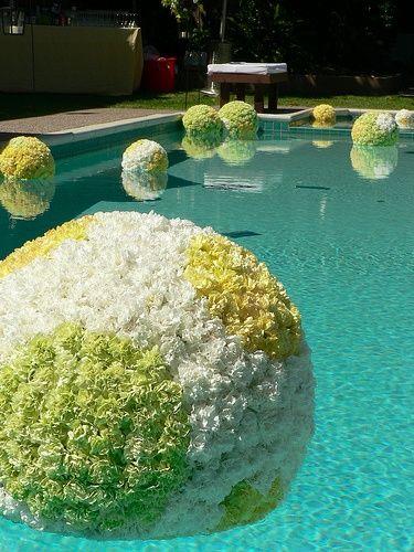 Outdoor pool decor- wedding reception..@Karen Jacot's Floral Artistry Kroemer-Spiess