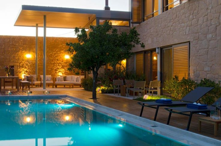 Take an authentic journey into the heart of Chania through Conte Marino Villas. http://www.tresorhotels.com/en/hotels/53/conte-marino-villas