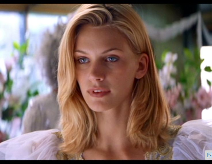 Natasha Henstridge In Species I Beauty For Drawing