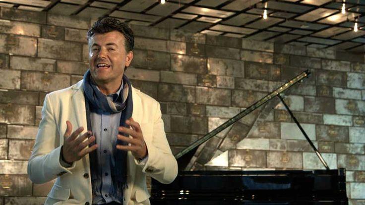 """Ramon Gener: """"Cualquier cosa que me sucede en la vida me sucede con música"""" - RTVE.es      El pianista, barítono, escritor y divulgador musicalRamon Gener, presentador deThis is operaenLa 2, ha hablado... http://www.rtve.es/radio/20170105/ramon-gener-cualquier-cosa-sucede-vida-sucede-musica/1465756.shtml?utm_campaign=crowdfire&utm_content=crowdfire&utm_medium=social&utm_source=pinterest"""