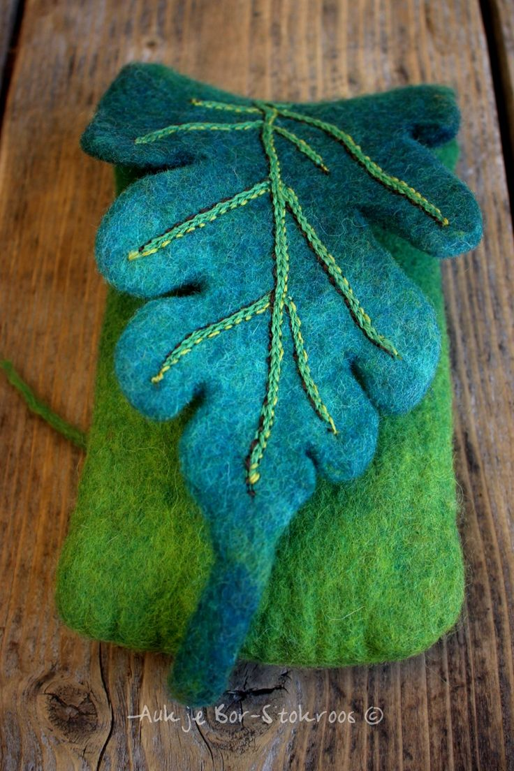 Felted smartphone case | Would be a nice ipad case