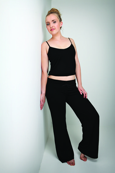 100% Fine Merino   These lounge pants are a relax fit and have the warmth without weight.  Elasticised drawstring waistband and flowing flare leg style for all round comfort.  NZ MadeWomens Merino Lounge Pants - New Zealand Natural Clothing LTD