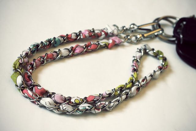 My Ride-Or-DIY: Vera Bradley-Inspired Chain Lanyard....i thought this was cute and unusual...