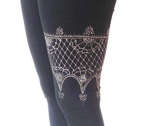 #yoga #yogawear #yogaleggings #yogapants #leggings #justbreathe #henna #mehndi #womans cloting #activewear