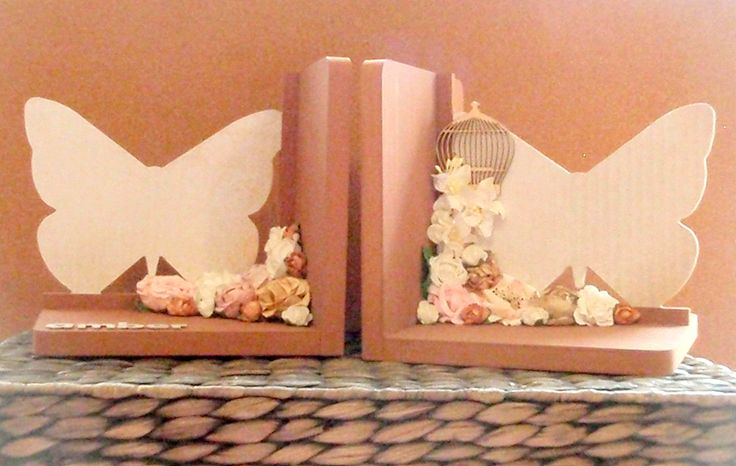 Brown and pink butterlfy bookends