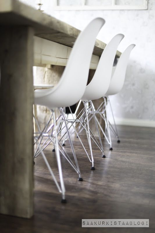 Uudet ruokapöydän tuolit!