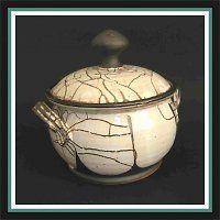 Cukřenka, harisovaná keramika.