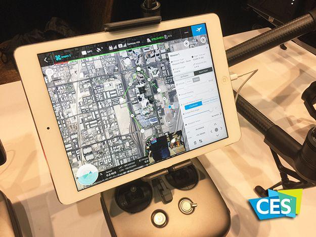 DJIは、機体の自動飛行を制御するよう、プロフェッショナル向けに設計されたiPad用アプリ「GROUNDSTATIONPRO(以下:GSPro)」をCES2017で発表し、リリースした。Appストアから無料でダウンロード可能。GSProは、iPadを数回タップするだけで複雑な飛行タスクを設定でき、ワーク...
