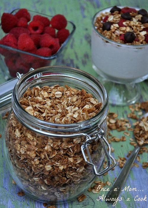 Simple Honey and Oat Granola
