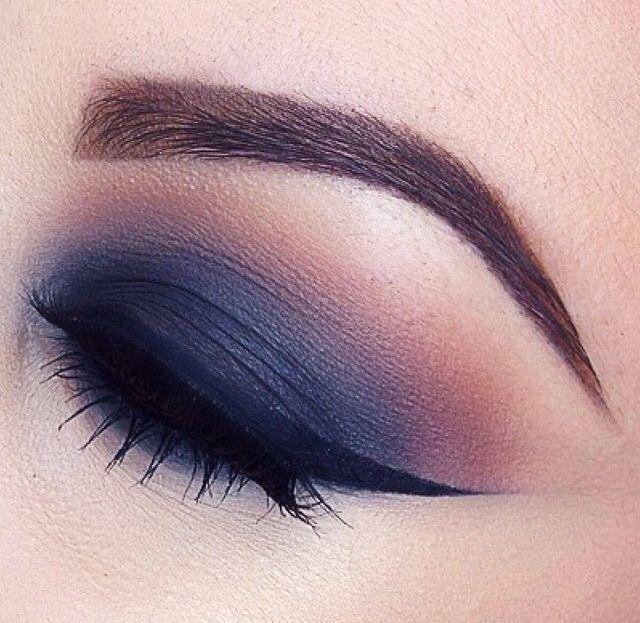Dark navy smokey #eye #eyes #eyeshadow #winged #makeup #dark #dramatic