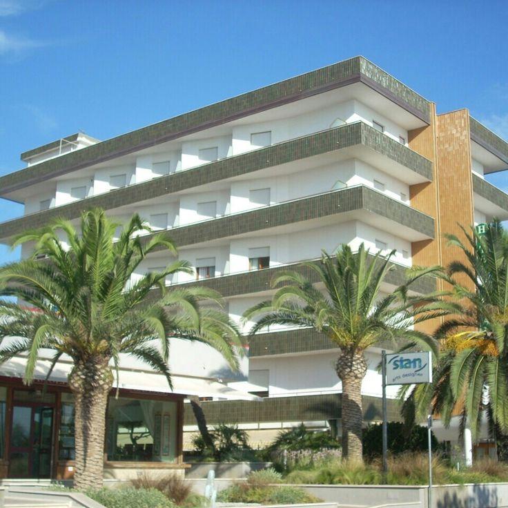 Hotel prima fila lungomare marconi alba adriatica