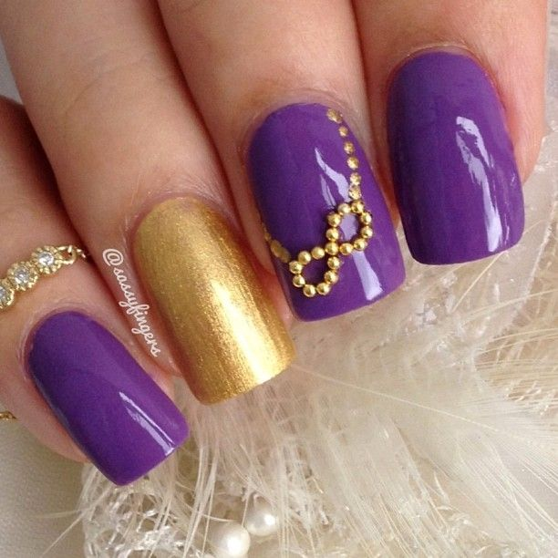 mardi gras nail design