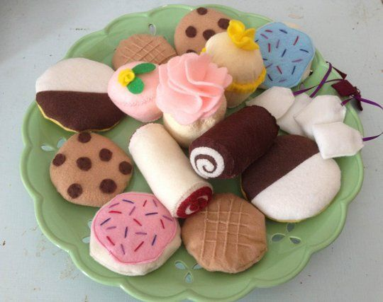 Use These Free Felt Food Patterns to Make Great Handmade Gifts for a Child