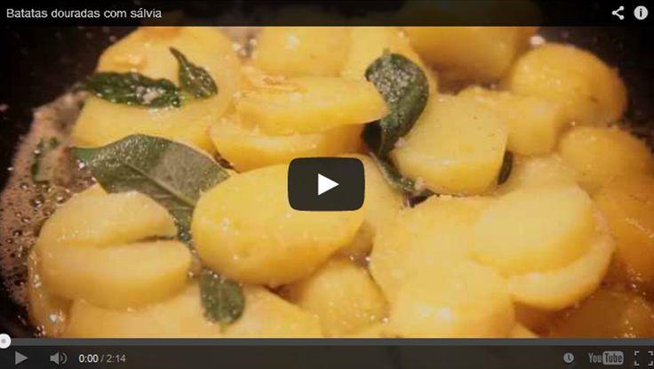Batatas douradas com sálvia. Rosti de batatas. Veja a vídeo-receita no nosso canal youtube em: http://www.youtube.com/watch?v=ygeDbWn0P8Y  #Youtube #Videos #Batata #Receita