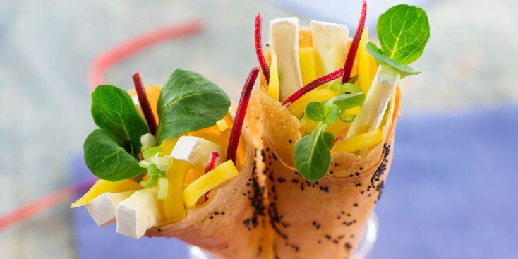 Cornet with mango and Mini-Caprice