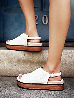 Hayden Flatform Sandal