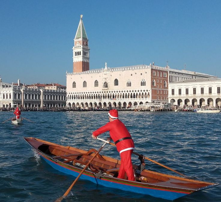 Everything is ready in Venice for the sixth edition of #santaClaus race