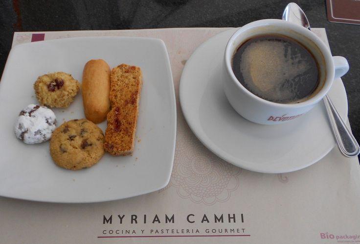 Myriam Camhi – Elegancia como salòn de te y talento en su pasteleria