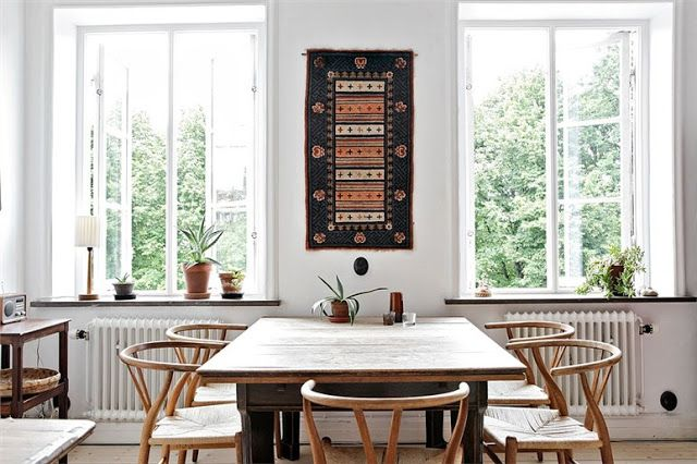 http://www.laboutiquedanoise.com/  Chaise danoise : chaise Wishbone de Hans Wegner, icône du design scandinave.