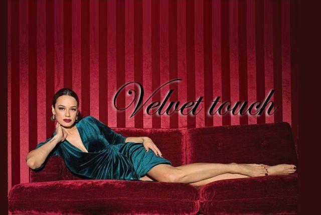 Velvet touch, salopeta sa rochie de ocazie din catifea verde? - http://www.stilulmeu.com/rochii-din-catifea-salopete-pantofi-velvet-touch/