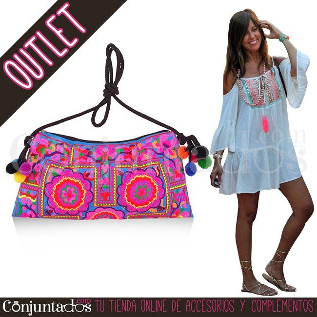 Bolso bandolera con pompones Samara ★ 9'95 € en https://www.conjuntados.com/es/outlet/bolso-bandolera-con-pompones-samara.html ★ #outlet #liquidacion #descuentos #rebajas #soldes #sales #bolso #bandolera #bolsobandolera #crossbodybag #pompones #pompons #boho #conjuntados #conjuntada #accesorios #complementos #moda #fashion #fashionadicct #picoftheday #outfit #estilo #style #GustosParaTodas #ParaTodosLosGustos