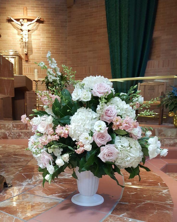 Ceremony flowers! mkcarrolldesigns #altarflowers #roses #hydrangeas #blush #peachy #hydrangeas #michiganweddingflorist  #metrodetroitflorist #florist #wedding #floral #florist #flowers #weddingflorist #weddings #stock #weddingflorist #detroitweddings #detroitflorist #michiganweddingflorist #michiganweddings #lisianthus #stfabiancatholicchurch #arrangement #salal #larkspur #eventflowers