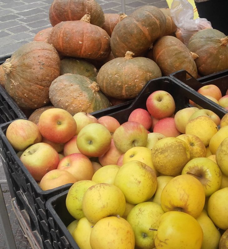 Pumpkins and apples - Una cascata di zucche e mele