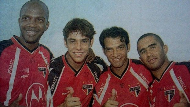 """Oliveira, Kaká, Harisson e Renatinho. (via ESPN / SPFC.Net """"Ex-São Paulo - Oliveira - colocou Kaká no banco e fez estágio com Guardiola; hoje, está na Série D"""")"""