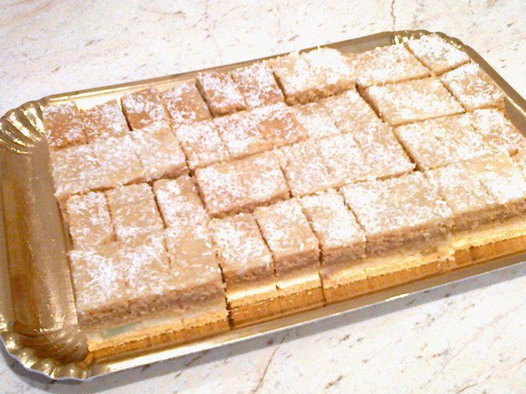 Retete culinare : Prajitura cu lamaie si crema caramel (de post), Reteta postata de CristinaCriss in categoria Prajituri