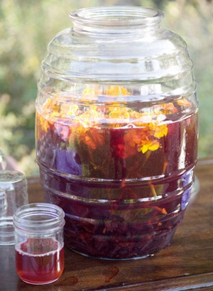 Ruffled® | See ads - Glass Agua Fresca Jars (Vitroleros) - Perfect for punch and cocktails! - Decor