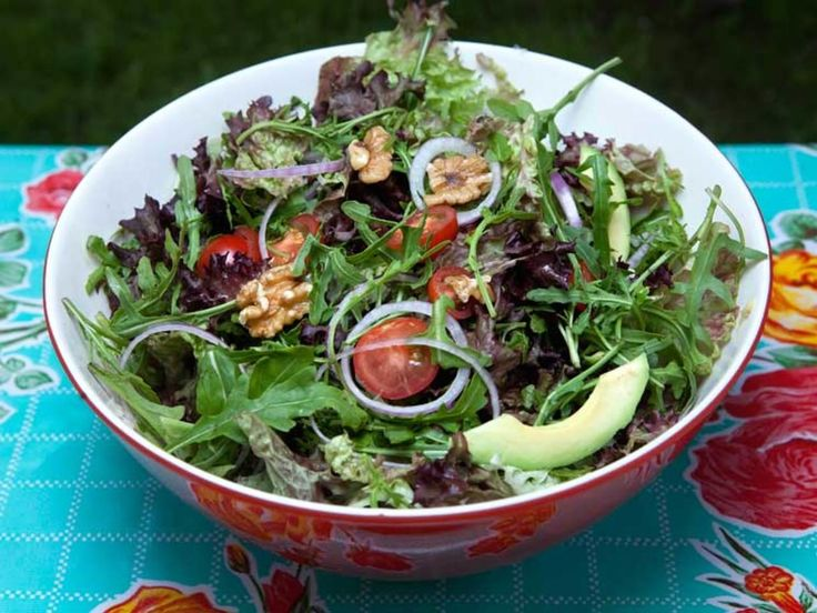 Grønn salat med avokado