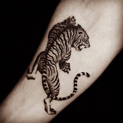 "398 gilla-markeringar, 14 kommentarer - eiji fujisawa (@eiji_tattoo) på Instagram: ""#tattoo #タトゥー #刺青 #虎 #tiger  #tattooer #tattooist #彫師 #eiji #東京 #渋谷 #横浜 #tokyo #shibuya #yokohama…"""