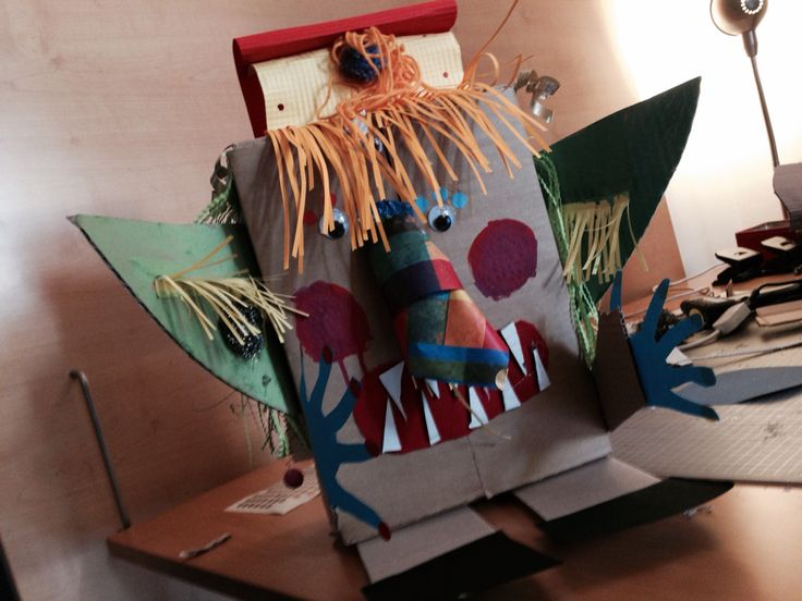 Apotropaico Mask built by children during a workshop in my atelier