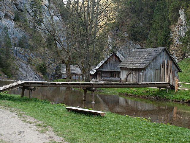 Prírodné a kultúrne pamiatky, jaskyne či možnosť kúpania aj v zime a dokonca zadarmo.