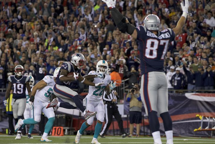 Final Score: Patriots Squish Fish, Win 36-7 (Greg Knopping Patspulpit, Photo: USA Today)