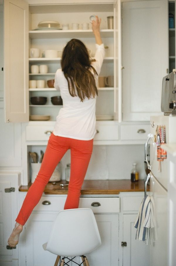 tangerine pants: Coral Jeans, Colors Pants, Coral Pants, Red Skinny, Red Jeans, Orange Pants, White Shirts, Style At Home, Red Pants