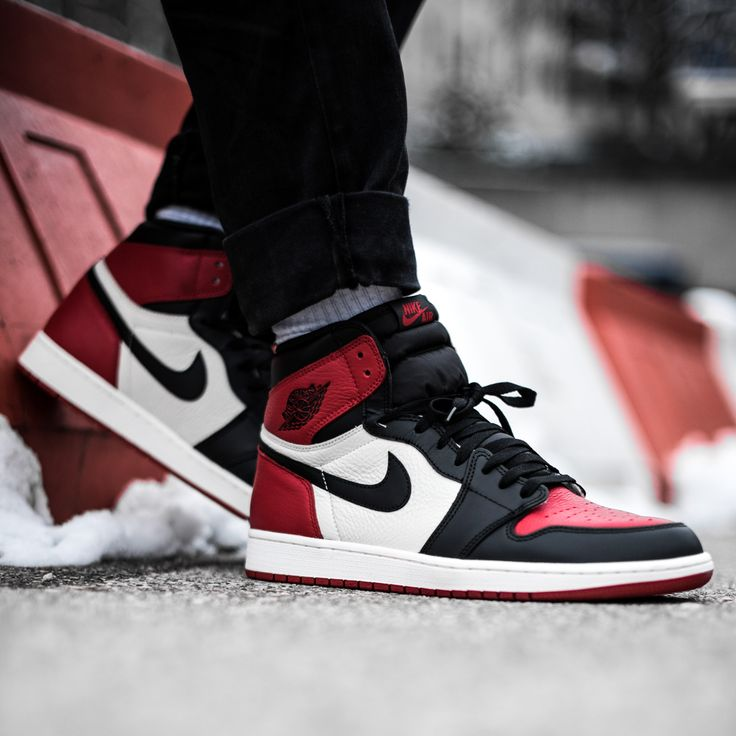 AJ1 BRED + AJ1 Black Toe = AJ1 BRED TOE.  This Saturday on KICKZ.com and in our stores in Munich, Berlin, Schweinfurt, Cologne, Stuttgart & the Bases.