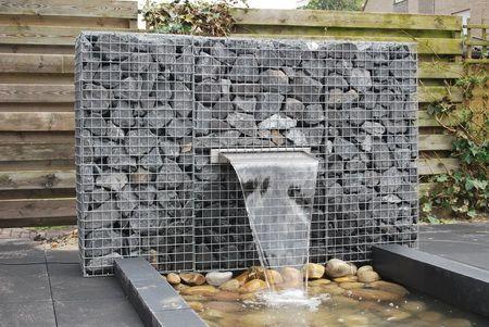 Schanskorf met waterval tuin pinterest met en zoeken for Waterpartij maken
