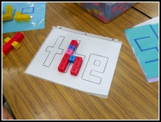 Sight Words with snap cubes....that's what we can use those things for!!! Word work and fine motor skills!