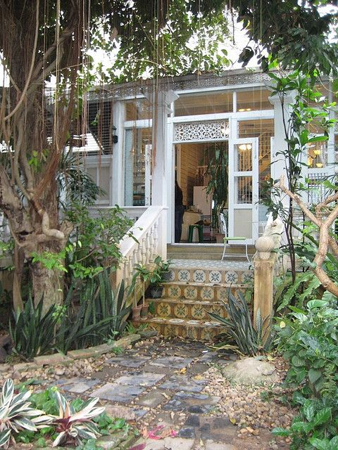 1000 images about key west porches gingerbread on pinterest vacation rentals key west - The rolling shutter home in bohemia ...