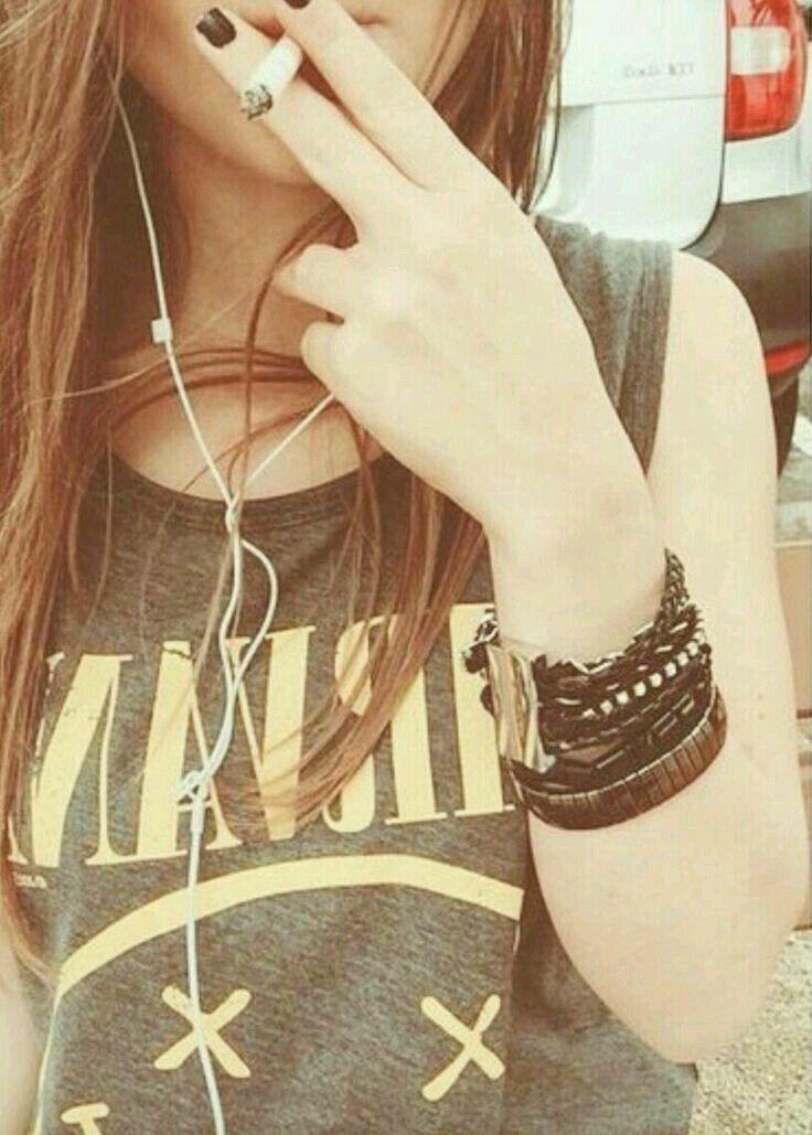Stylish Girl Dp Smoking