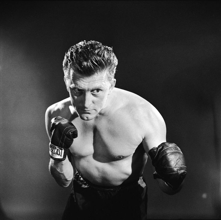 Kirk Douglas, fighting fit in Champion (1949)