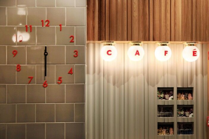 Our famous clock. Seen in all our restaurants.